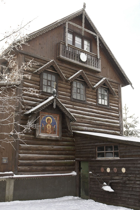 мастерская русского иконописца с иконой