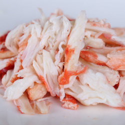 Салатное мясо краба