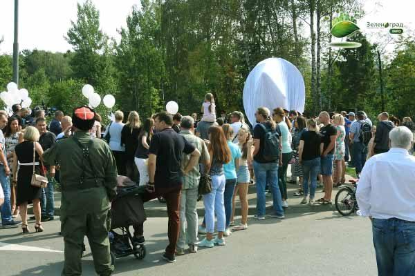v-ozhidanii-otkry-tiya-pamyatnika-v-zelenograde