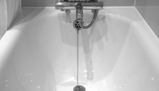 Аккуратнее со смарфонами в ванной комнате