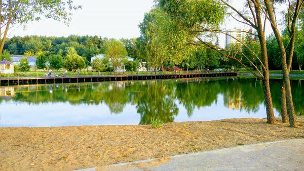 Слава у пруда | Вечер понедельника на Школьном озере (ВИДЕО)