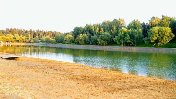 Благоустройство набережной городского пруда и Парка Победы в городе Зеленограде - продолжается