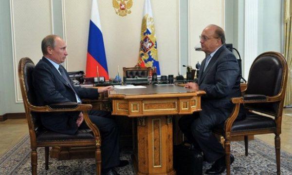 Ректор МГУ подарил Путину