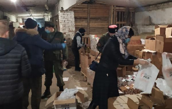 Расфасовка и формирование продуктовых наборов гуманитарной помощи