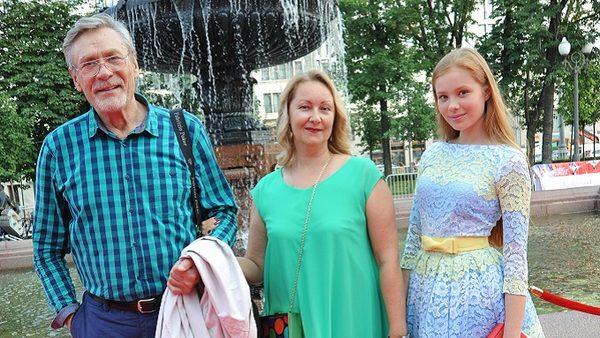 Голая семья светофоровых фото