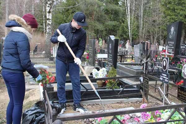 obshhegorodskaya-memorial-no-patronatnaya-aktsiya-po-uborke-voinskih-zahoronenij-2