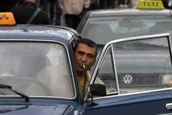 nezakonny-e-taksisty-u-metro-yugo-zapadnaya