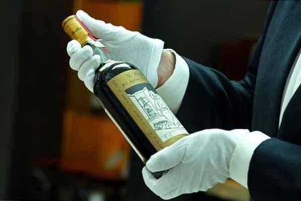 dve-redkie-buty-lki-viski-macallan-v-dubae-prodali-bolee-chem-za-1-million-dollarov