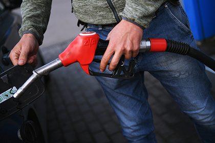rossiyane-zabastovali-posle-skachka-tsen-na-benzin